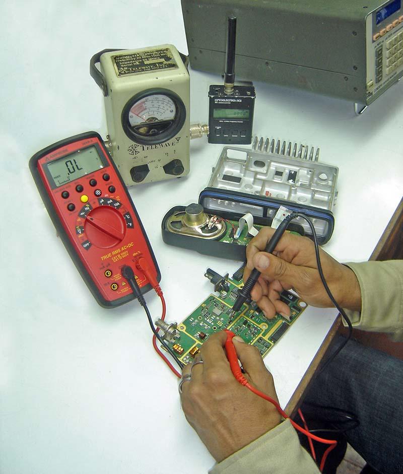 Servicios de Equipos de Radiocomunicación de 2 Vías